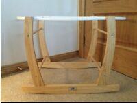 VIB Moses basket stand