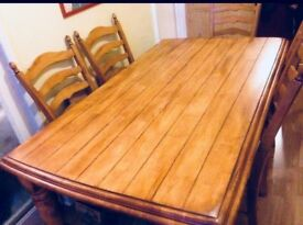Solid oak dining table x 6 people