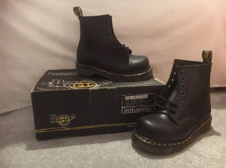 Doc Dr. Martens Industrial Safety Boots - size 3  a2c6634539cb