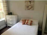 Low deposit last double refurbished room close to hull university station newland avenue