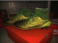 BRAND NEW NIKE MAGISTA FOOTBALL BOOTS COMES WITH BOX