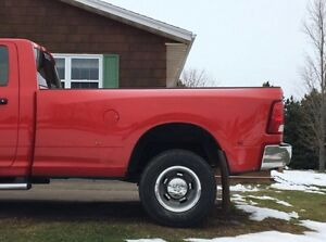 8ft box off 2013 dodge ram dually