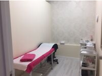 NAIL BAR with pedicure chair to rent
