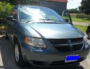 2005 Dodge Grand Caravan - A Great Family Car or good for work