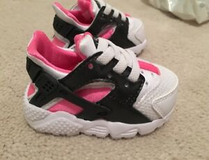 Baby Nike Hurache size 2, euro size 17 and 8 cm long