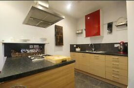 1 Bed SUPER SPACIOUS apartment. LIGHT and BRIGHT, open plan lounge and kitchen, minster views