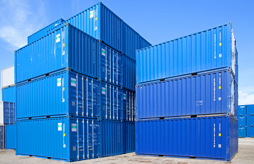 Alles sicher verstaut: Darauf kommt es bei der Auswahl eines Lager-Containers an