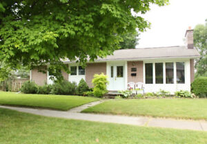 beautiful and well maintained brick bungalow avaliable feb 1st