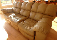 Matching Leather Couch and Love Seat Recliners