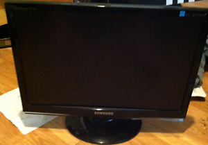 "SAMSUNG 953BW High-gloss Black 19"" 5ms (2ms GTG) Widescreen LCD"