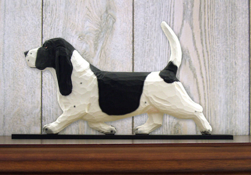 Basset Hound Sign Plaque Wall Decor Black/White