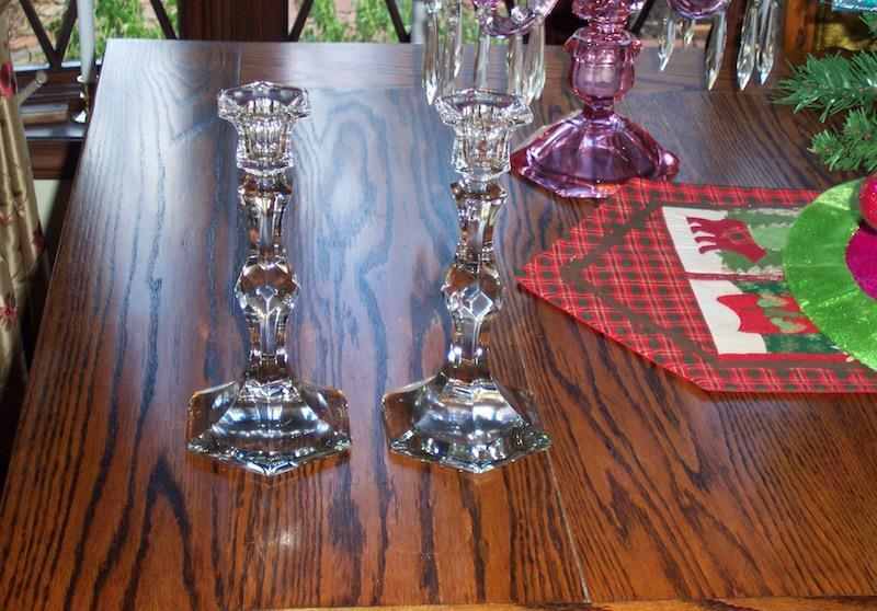 """HEISEY HARD TO FIND PAIR OF  #4 ESSEX ( COLONIAL) 9"""" CANDLESTICKS CIRCA 1902-21"""