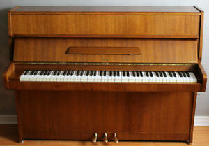 RÖSLER Apartment Size Piano