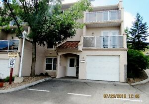 Perfect location: 3 bedrooms & 2 full bathrooms townhouse