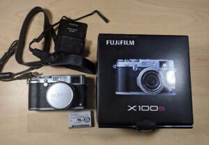 Fuji fujinon fujifilm x100S X100S X100 S camera fuji WITH BOX