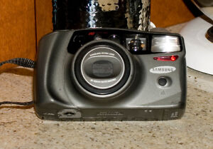 Samsung 105 s  zoom macro perfect working condition vintage