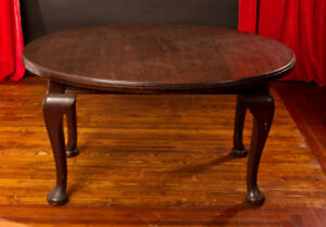 Antique Dining table - crank style center leaf - need it out of