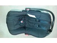 Obaby Risus Car seat with Isofix base