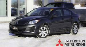 2012 Mazda MAZDA3 GS-SKY! AUTO! HEATED SEATS! SUNROOF!