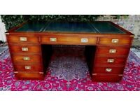 SPECTACULAR QUALITY VINTAGE MILITARY CAMPAIGN MAHOGANY LEATHER TRUE PARTNERS DESK FOR NURSE CHARITY