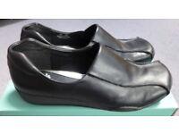 Clarks Women's Shoes, Black Leather, size 7