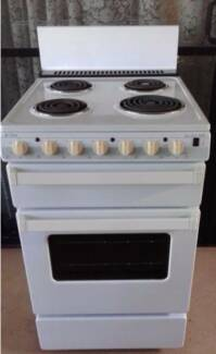 Free standing Chef 540w kitchen oven VGC