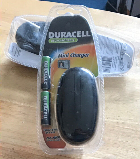 Duracell mini charger AA + AAA Batteries