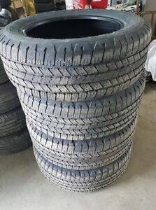 275/60R20 good condition