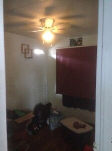2 bedroom mobile with large fenced yard for rent!