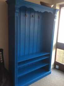 Entarance/hall storage/bookcase. very comfortable for clothes and shoes.