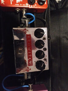 Red Witch chorus, TC Electronics HOF reverb, TC Spark Boost