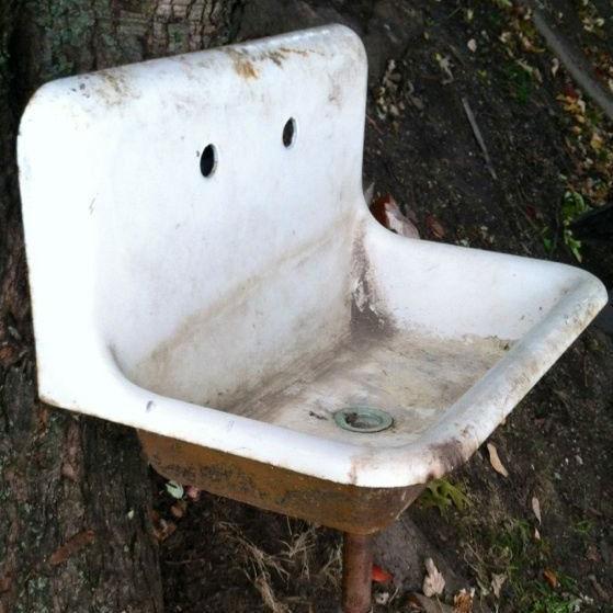 Sink-inspired garden art ideas