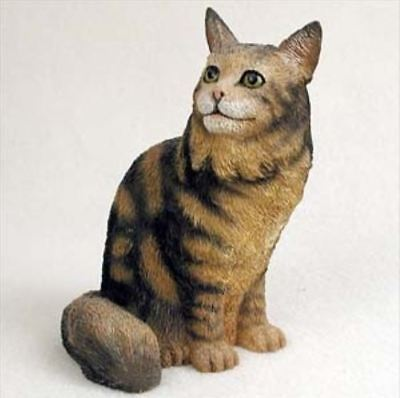 - MAINE COON BROWN CAT Figurine Statue Hand Painted Resin Gift