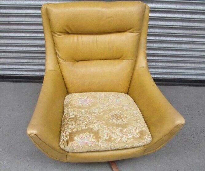 Parker knowl swivel egg chair 1960's