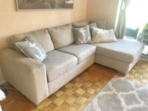 3- seater sofa    couch (Excellent   Condition)