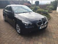 STUNNING BLACK BMW 520D - LEATHER SEATS, TINTED WINDOWS, PERSONALISED NUMBERPLATE