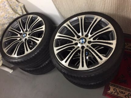4 x 19 inch BMW M3 wheels with 80% tread on tyres