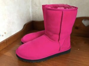 WOMENS UGG boots. NEW PRICE