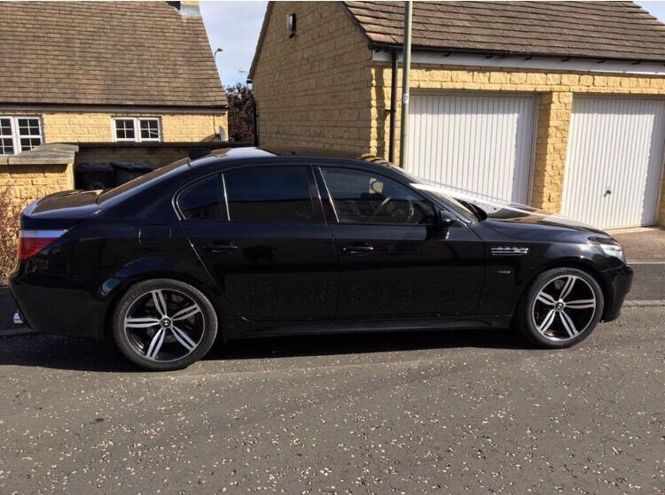 bmw e60 m5 2006 for sale in black in witney oxfordshire. Black Bedroom Furniture Sets. Home Design Ideas