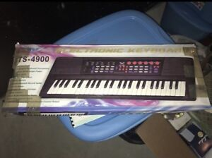 Electric Keyboard, Never Used