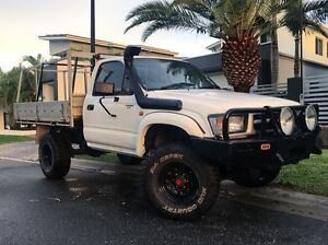 2000 TOTOTA HILUX 4x4 UTE **REGO & RWC** Helensvale Gold Coast North Preview