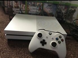 XBOX ONE S, 500GB, 7 GAMES BUNDLE, MINT, WITH EXTRA'S!!!