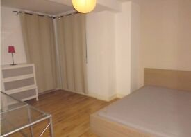 Bright and Spacious 5 Double Bed Apartment, Close To All Local Amenities - Call Now