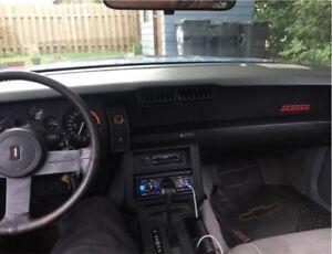 Z28 1987 5.0 carburateur, automatique.