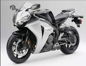 08 CBR 1000RR Great Bike Very LOW KMS ! Will deliver in prov.