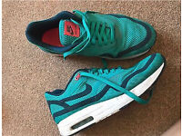 Ladies Nike air max immaculate condition