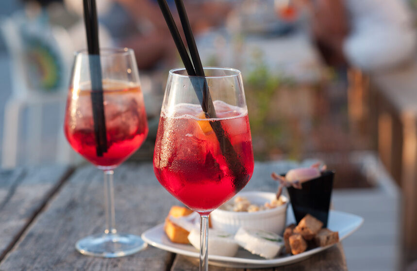 How to Choose Cocktail Stemware