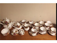 Royal Albert Old country roses tea set 42 pieces