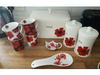 Scarlet poppy bread bin & accessories