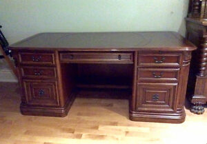 "Large Executive Desk (72"")"